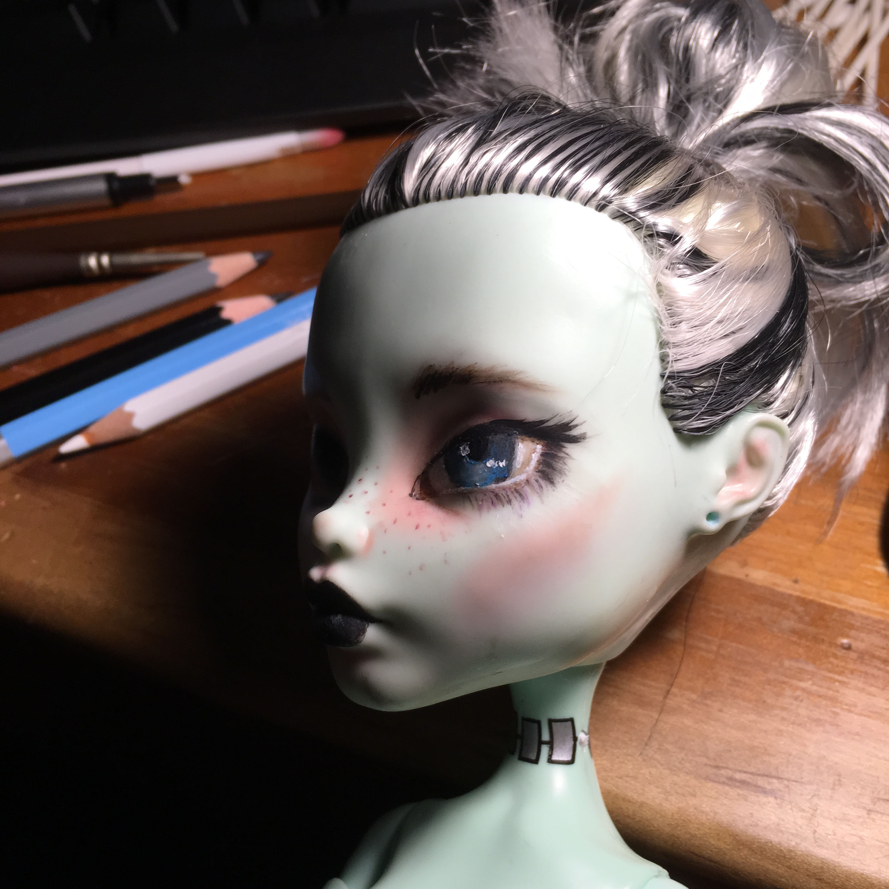Monster high makeover side view